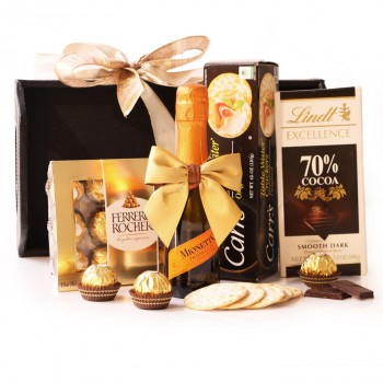 Sparkling Wine and Snacks Set